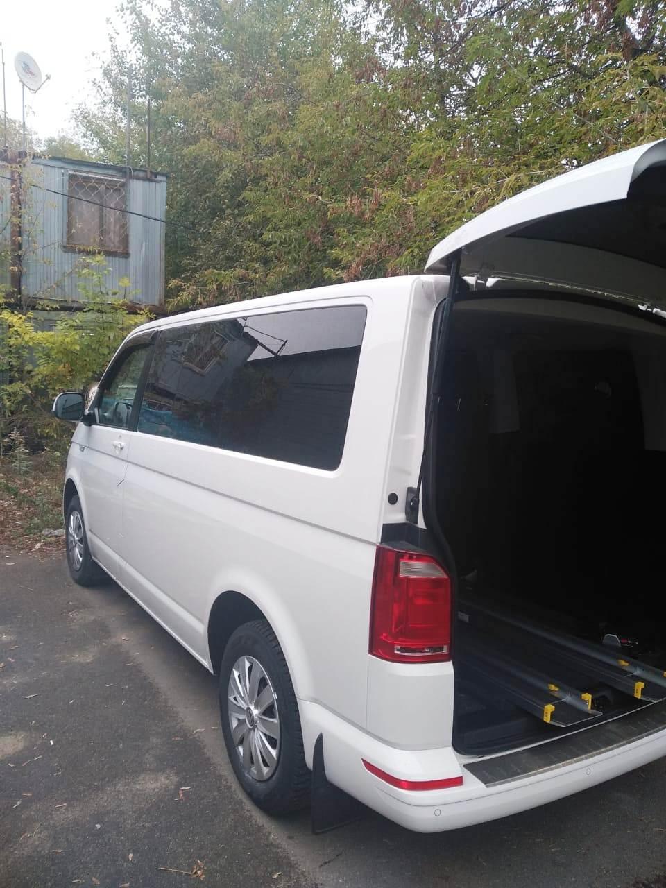 Специальныйавтомобиль Volkswagen Caravelle Comfortline